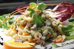 HOW TO FIGHT FOOD ADDICTION? Shrimp salad