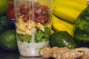 Hamilton Beach Personal Blender Review - add ginger in your green juice